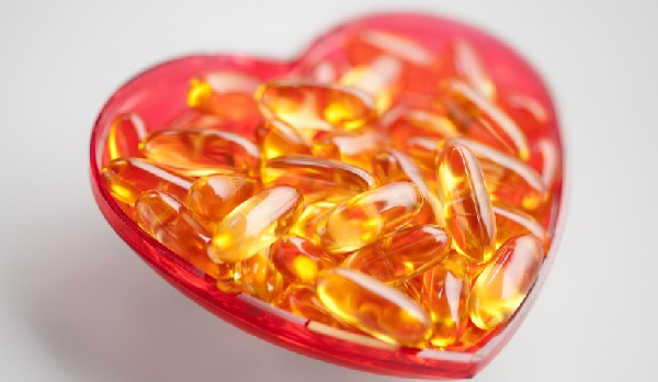 Fish_oil_supps_red_heart